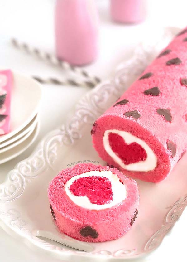 """""""Love is All Around"""" Cake Roll #Valentine's Day #recipes #cakes #trendypins"""