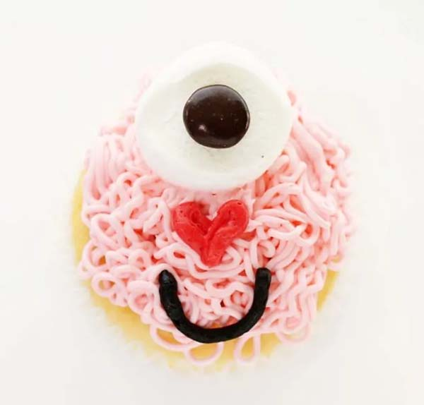 Love Monster Cupcakes #Valentine's Day #recipes #cupcakes #trendypins