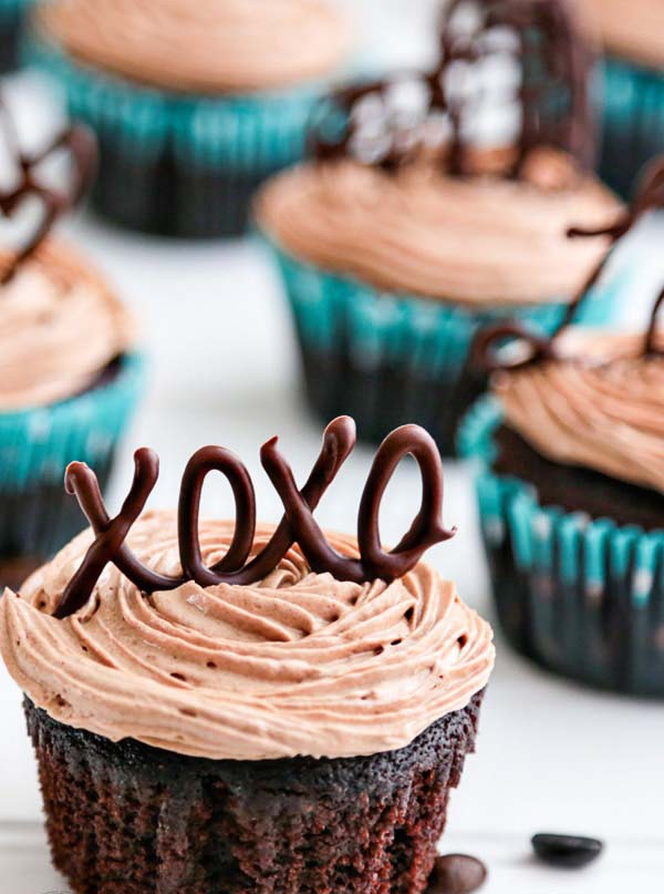 Moist Chocolate Cupcakes with Prague Frosting #Valentine's Day #recipes #cupcakes #trendypins