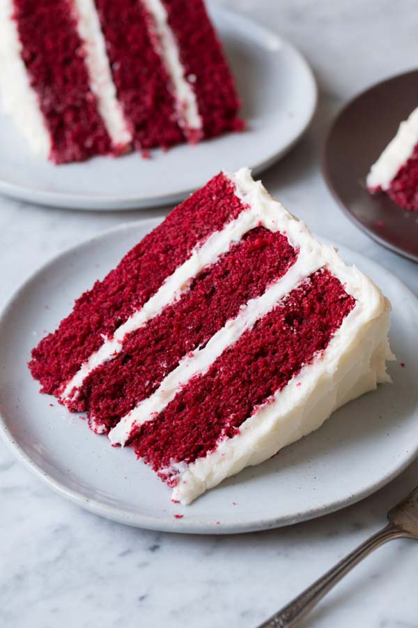 Red Velvet Cake with Cream Cheese Frosting #Valentine's Day #recipes #cakes #trendypins