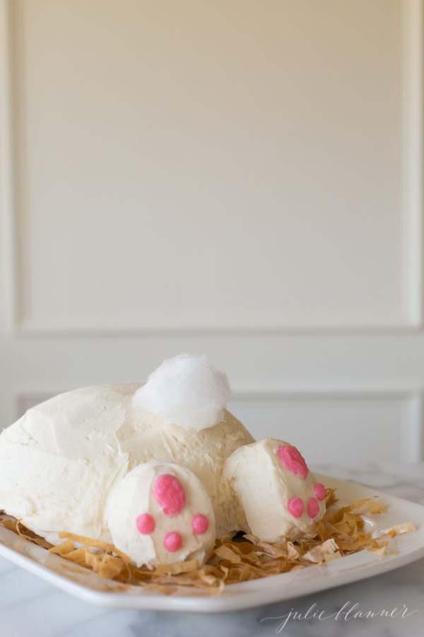 Adorable Bunny Butt Cake #Easter #cakes #recipes #trendypins