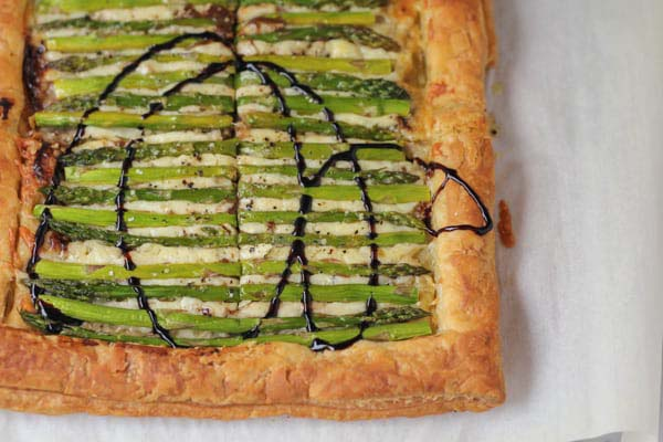 Asparagus Gruyere Tart #Easter #dinner #recipes #trendypins