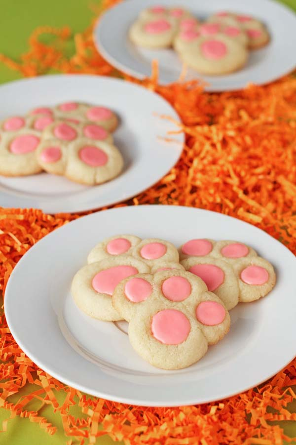 Bunny Paw Thumbprint  Cookies #Easter #desserts #recipes #trendypins