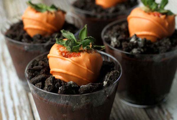 Carrot Chocolate Covered Strawberries #Easter #treats #recipes #trendypins