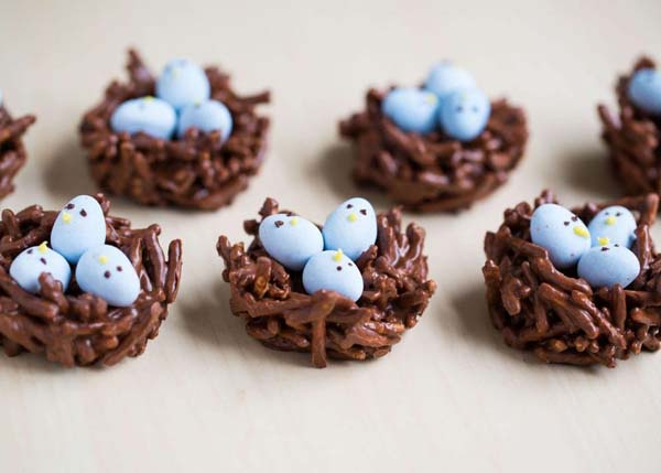 Chocolate Egg Nest Treats #Easter #treats #recipes #trendypins