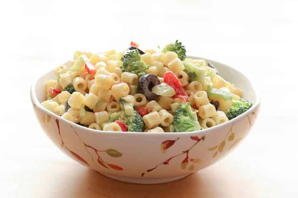 Creamy Pasta Salad #Easter #dinner #recipes #trendypins