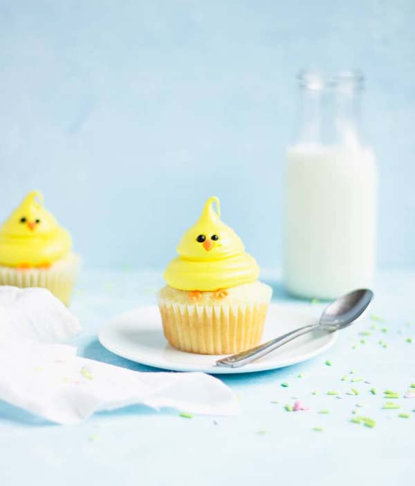 Easter Chick Cupcakes #Easter #dinner #recipes #trendypins