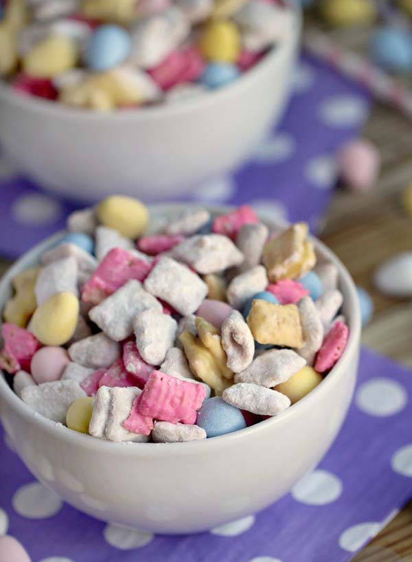 Easter Muddy Buddies #Easter #treats #recipes #trendypins
