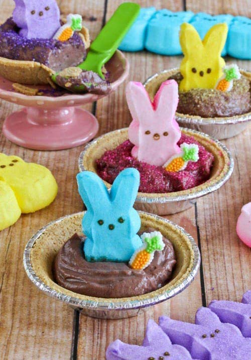 Peeps Pudding S'mores Pies #Easter #treats #recipes #trendypins