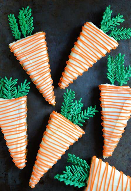 Pineapple Carrot Cakes with Cream Cheese Frosting #Easter #treats #recipes #trendypins