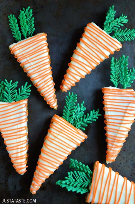Pineapple Carrot Cakes #Easter #cakes #recipes #trendypins