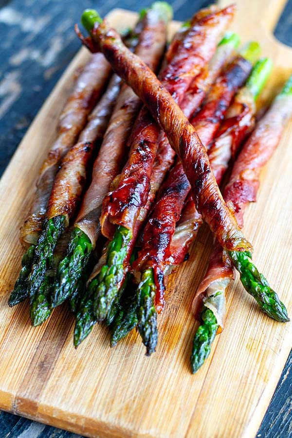Prosciutto Wrapped Asparagus #Easter #appetizers #recipes #trendypins