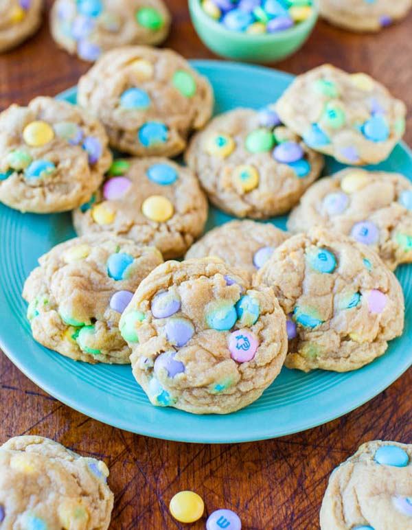 Soft and Chewy Easter M&Ms Cookies #Easter #desserts #recipes #trendypins
