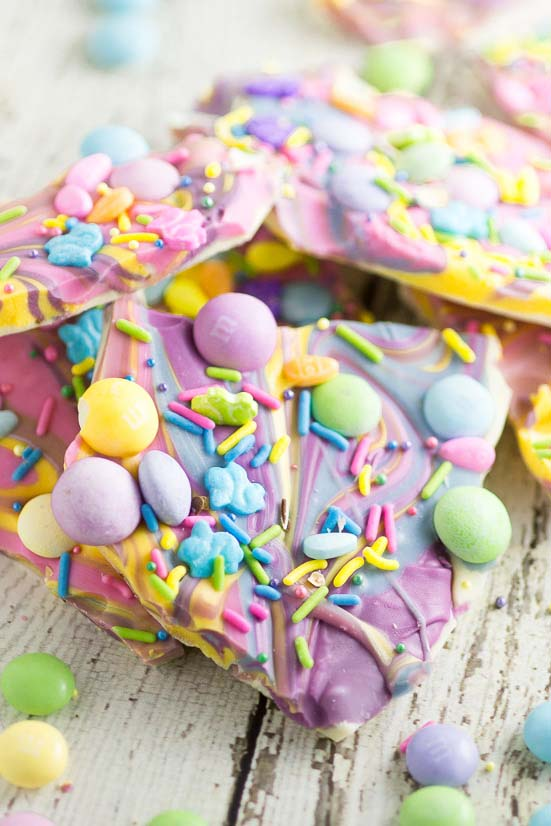 White Chocolate Easter Bark #Easter #treats #recipes #trendypins