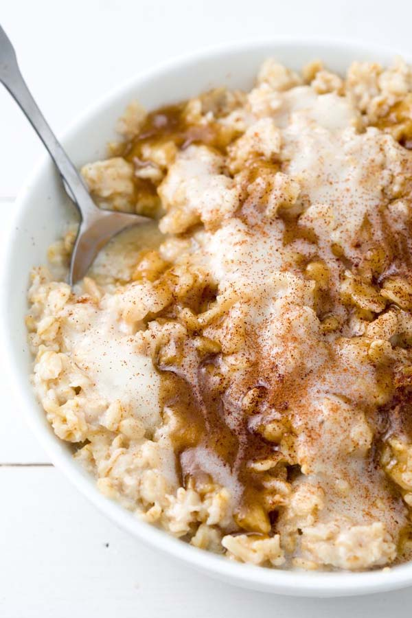 Cinnamon Roll Oatmeal #pantry #staple #recipes #trendypins