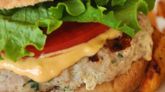 Delicious Turkey Burgers #meal #freezer #recipes #trendypins