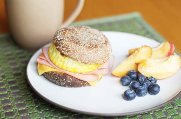 Fake Out Starbucks Breakfast Sandwiches #meal #freezer #recipes #trendypins