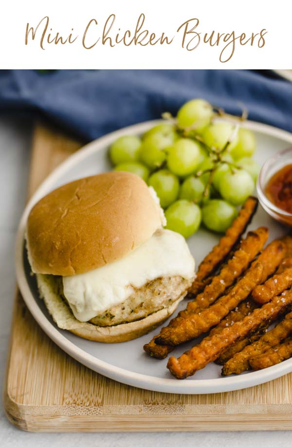 Mini Chicken Burgers with Herbs #meal #freezer #recipes #trendypins