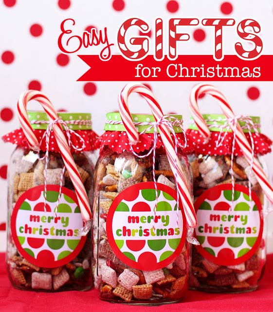 Chex Mix Christmas Gift in a Jar #Christmas #food #gifts #trendypins