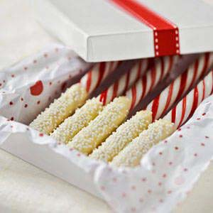 Chocolate Dipped Peppermint Sticks #Christmas #food #gifts #trendypins