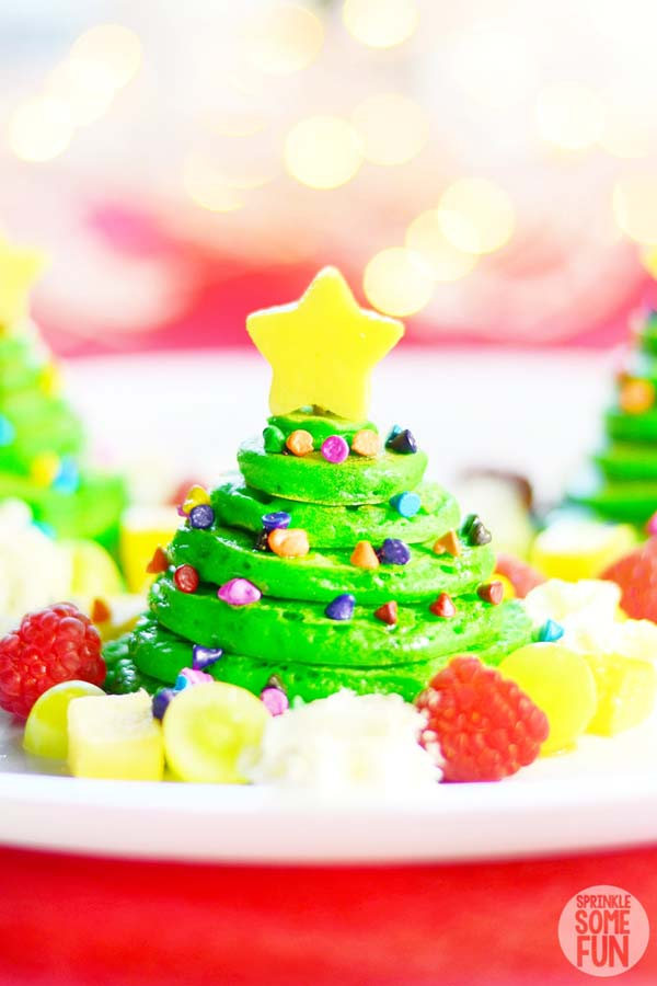 Christmas Tree Pancakes #Christmas #breakfast #recipes #trendypins