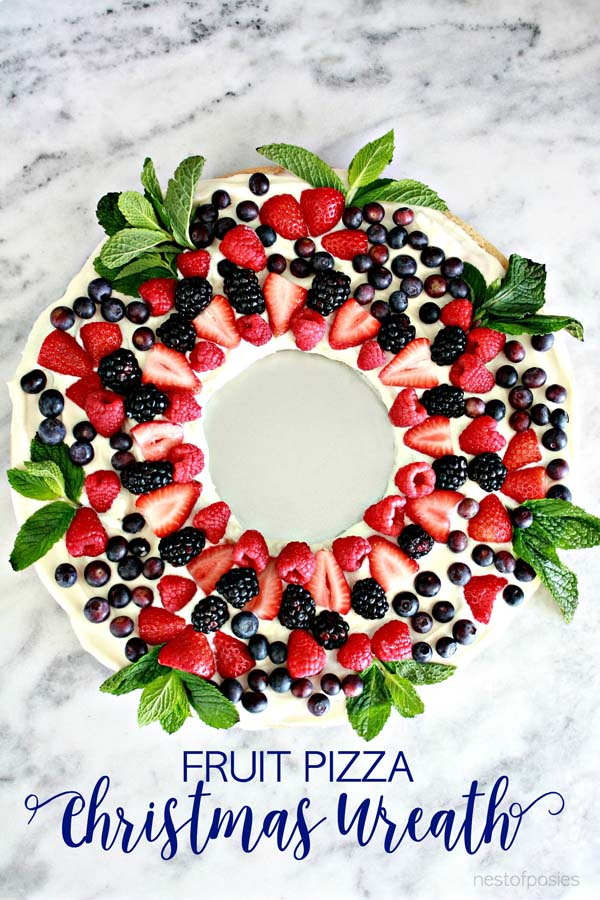Christmas Wreath Fruit Pizza #Christmas #breakfast #trendypins