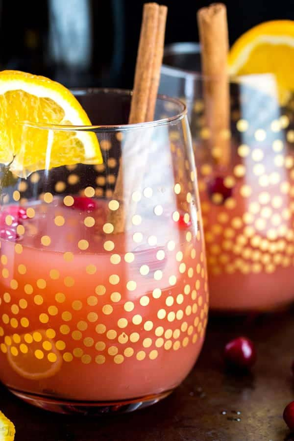 Cranberry Orange Mimosas #Christmas #breakfast #trendypins