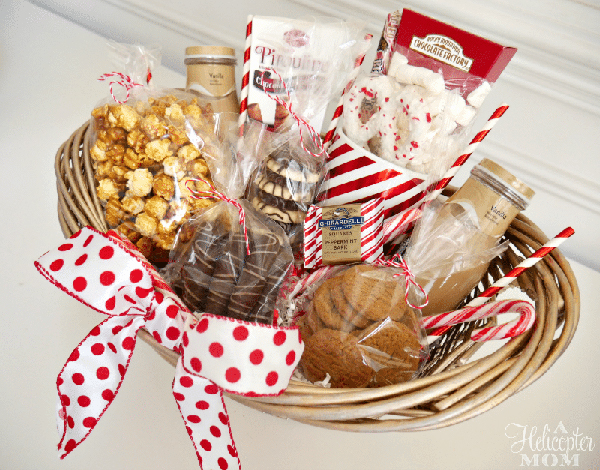 Easy DIY GIft Basket #Christmas #food #gifts #trendypins