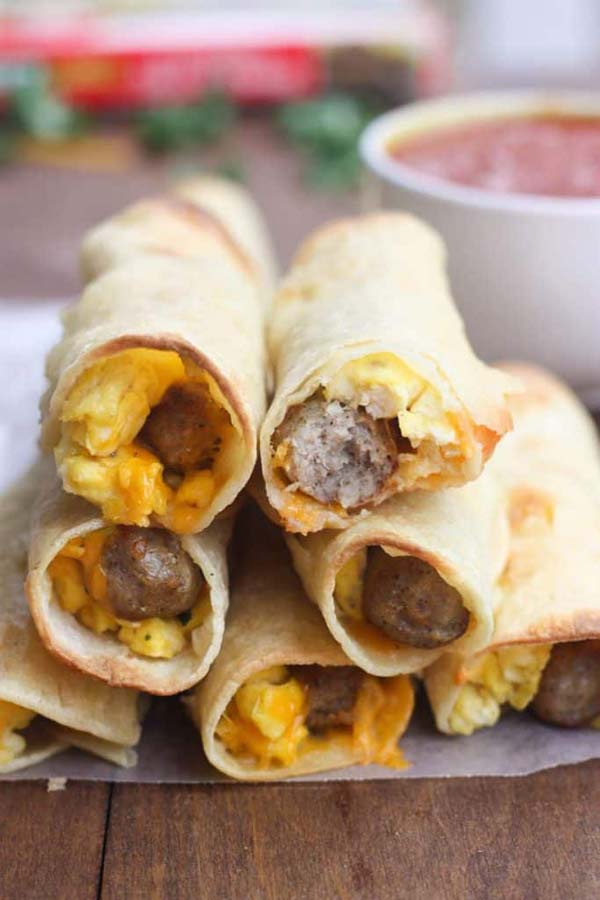 Egg and Sausage Breakfast Taquitos #Christmas #breakfast #sandwiches #trendypins