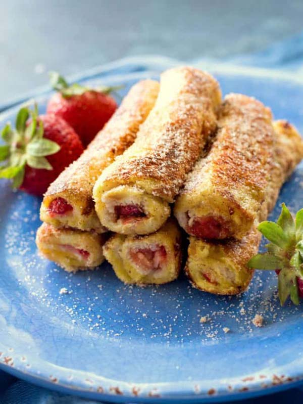 French Toast Roll Ups #Christmas #breakfast #trendypins