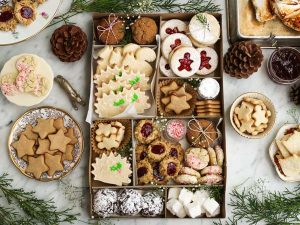 Holiday Cookie Gift Box #Christmas #food #gifts #trendypins
