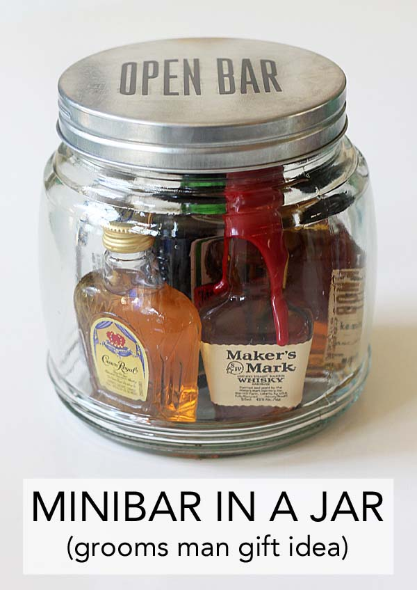 Mini Bar in a Jar #Christmas #food #gifts #trendypins