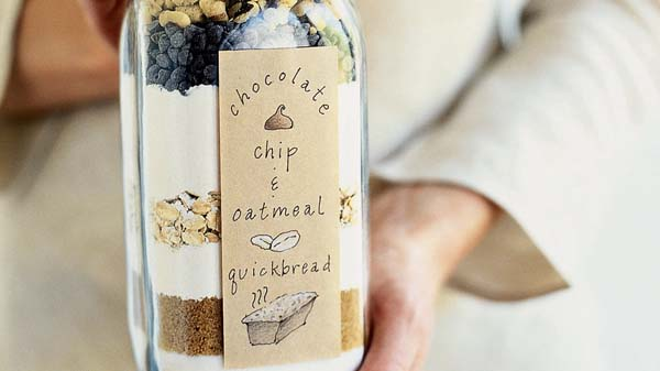 Quick Bread In A Bottle #Christmas #food #gifts #trendypins