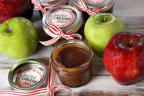Salted Caramel Sauce in a Jar #Christmas #food #gifts #trendypins