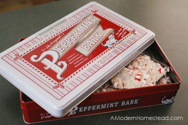 William Sonoma Inspired Peppermint Bark #Christmas #food #gifts #trendypins