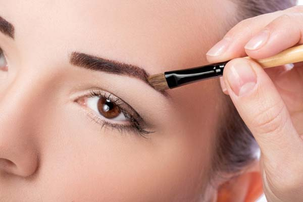 How To Use Eyebrow Brush #makeup #beauty #trendypins