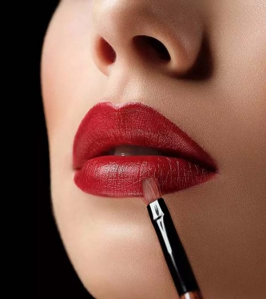 How To Use Lip Brush #makeup #beauty #trendypins