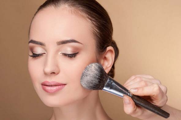 How To Use Powder Brush #makeup #beauty #trendypins
